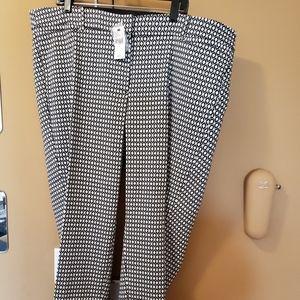 Plus-size ankle pants. NWT. Lane Bryant brand